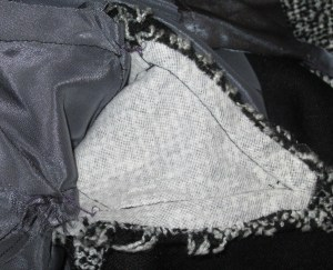 Underarm gusset in sleeve and lining