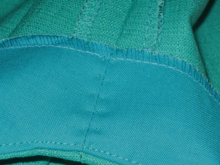 photo-15a-facing-hand-under-stitched-to-seam-allowances-at-underarm