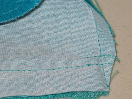 photo-19-finished-stitching-at-back-neckline