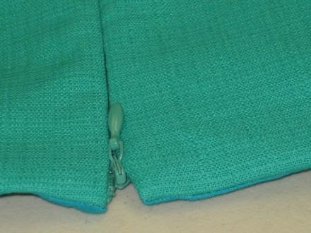 photo-21-lhs-exposed-zipper-stop-rhs-hidden-zipper-stop